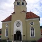 Opravená Synagoga v sousedství Schieleho domu, taktéž zásluhou ČKRF