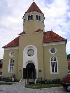 11-opravena-Sinagoga-v-sousedstvi-Schieleho-domu